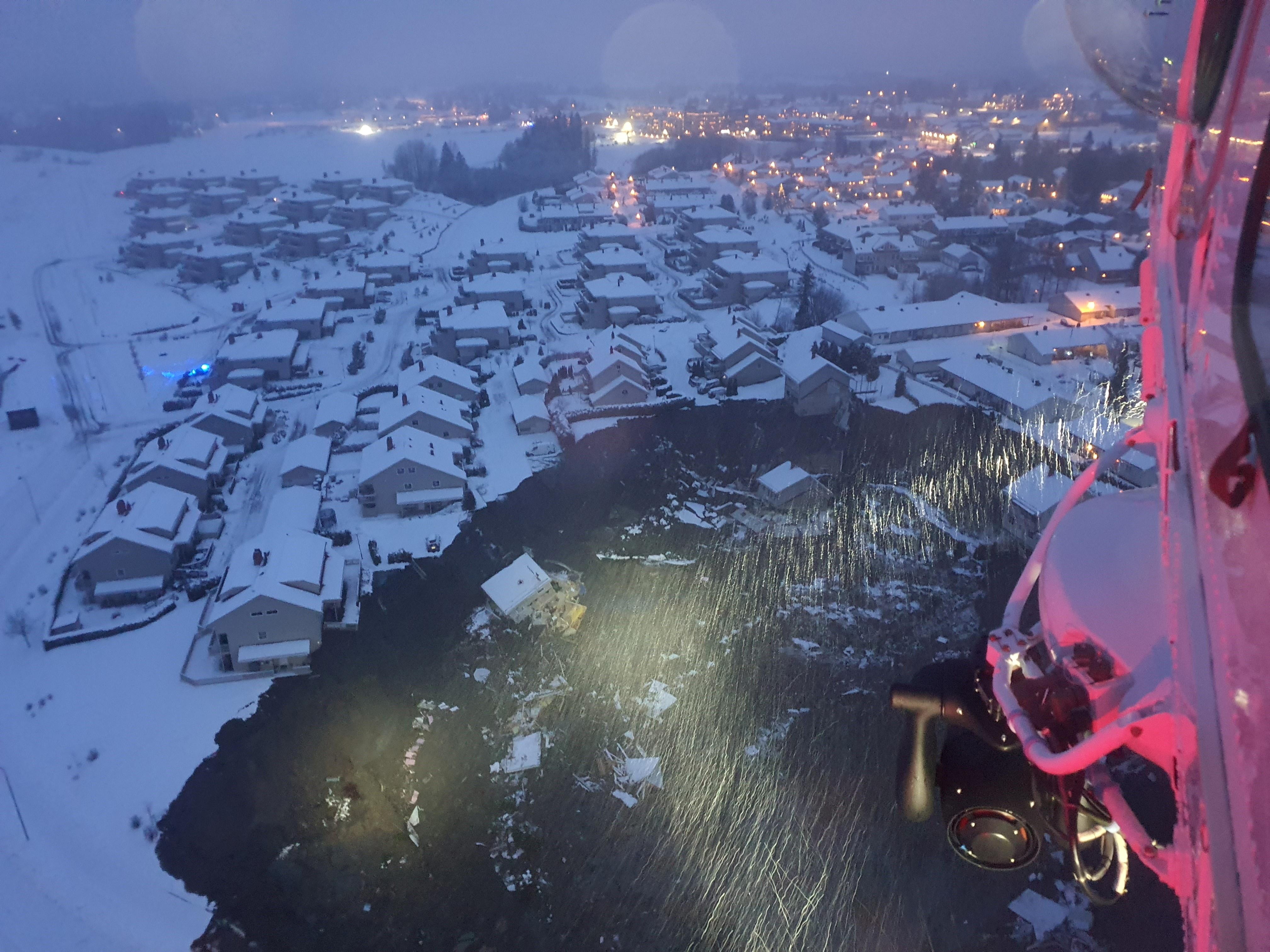 Hundreds evacuated after landslide in Norway