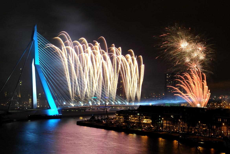New Year's Eve fireworks display illuminates the sky over the Erasmus Bridge in Rotterdam, Netherlands (Photo by Jasper Juinen/Getty Images)