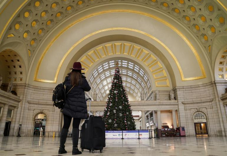 I'll be home for Christmas: US hits the road despite COVID surge   Aviation News