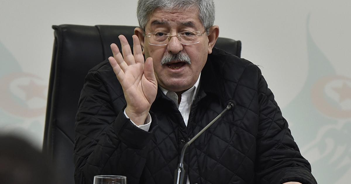 Algeria's ex-PM admits selling gold bars on black market   Corruption News