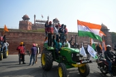 Farmers take their tractor rally to New Delhi's Red Fort [Sajjad Hussain/AFP]