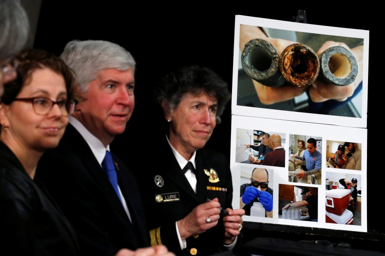 Two former health officials charged with manslaughter in Flint