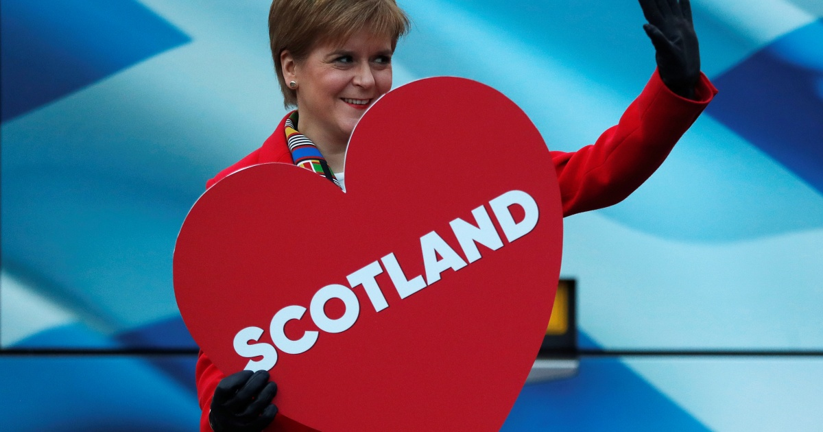 Scottish leader promises to hold 'legal' independence vote thumbnail