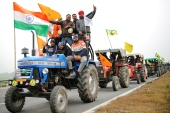 Farmers have threatened to intensify their protest by organising an enormous tractor rally in New Delhi during Republic Day celebrations on January 26 [File: Adnan Abidi/Reuters]