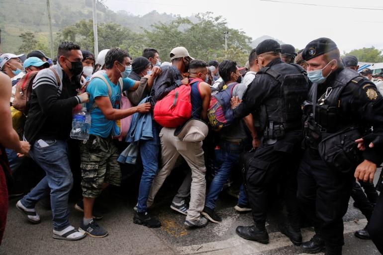 Thousands of Hondurans advance on foot in US-bound caravan | Migration News