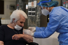 Greek-Jewish Holocaust survivor Zana Sadikario-Saatsoglou, 96, receives the second dose of a vaccine against the coronavirus disease (COVID-19) at the Old People's Home of the Jewish Community in Thessaloniki, Greece, January 26, 2021 [Alexandros Avramidis/Reuters]
