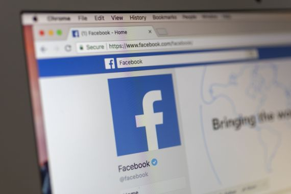 Facebook has warned that if the law passes, it will block Australians from sharing news on its sites [File: Bloomberg]