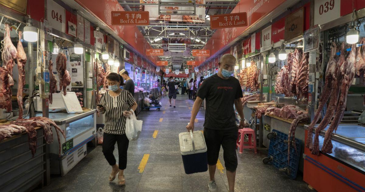 China's wide income gap holds back consumer spending - aljazeera