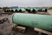 The government of Canadian Prime Minister Justin Trudeau has promised to defend the Keystone XL pipeline project [File: Scott Dalton/Bloomberg]