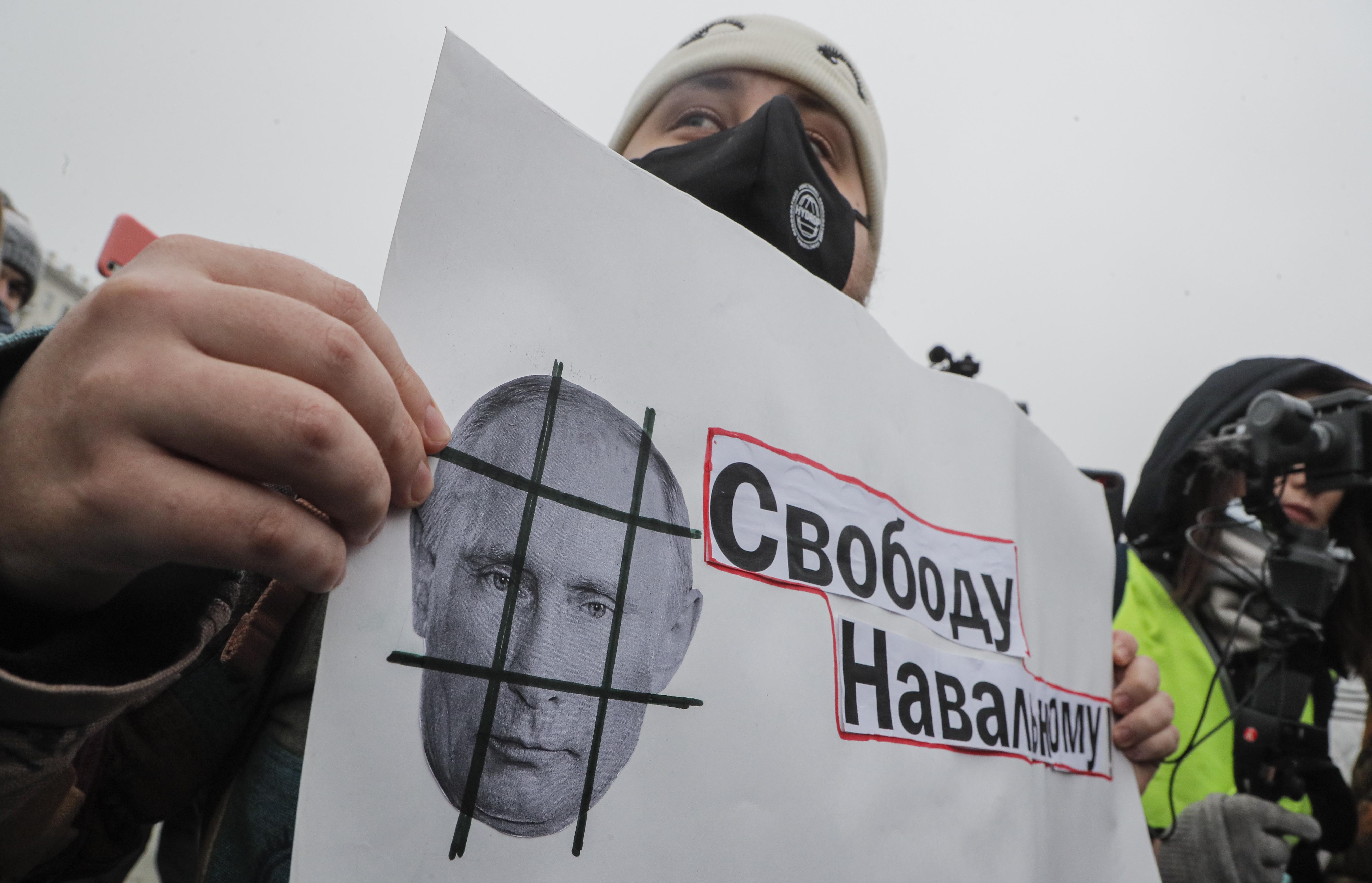 Russia. Navalny: manifestazioni in diverse città, almeno 3.300 i fermi