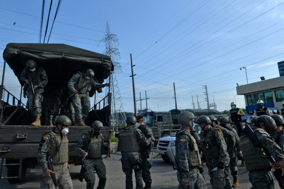 Soldiers are deployed outside the prison in Guayaquil. [Jose Sánchez Lindao/AFP]