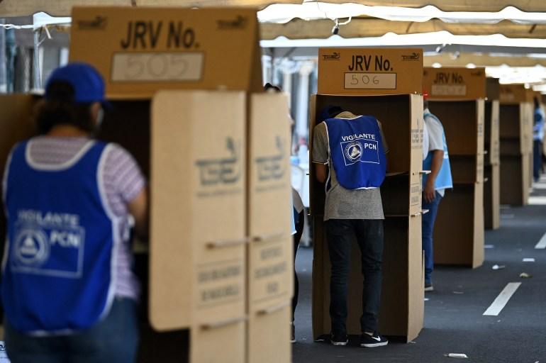 , [:en]Voters go to the polls in El Salvador | Elections Information[:], Laban Juan