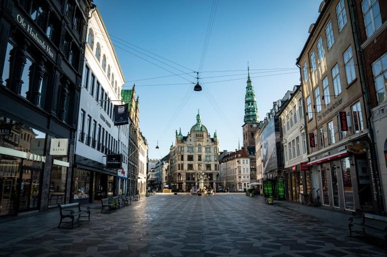 A view of a deserted Stroeget street amid the coronavirus disease (COVID-19) pandemic in Copenhagen, on January 12, 2021 [Emil Helms Ritzau Scanpix/via Reuters]