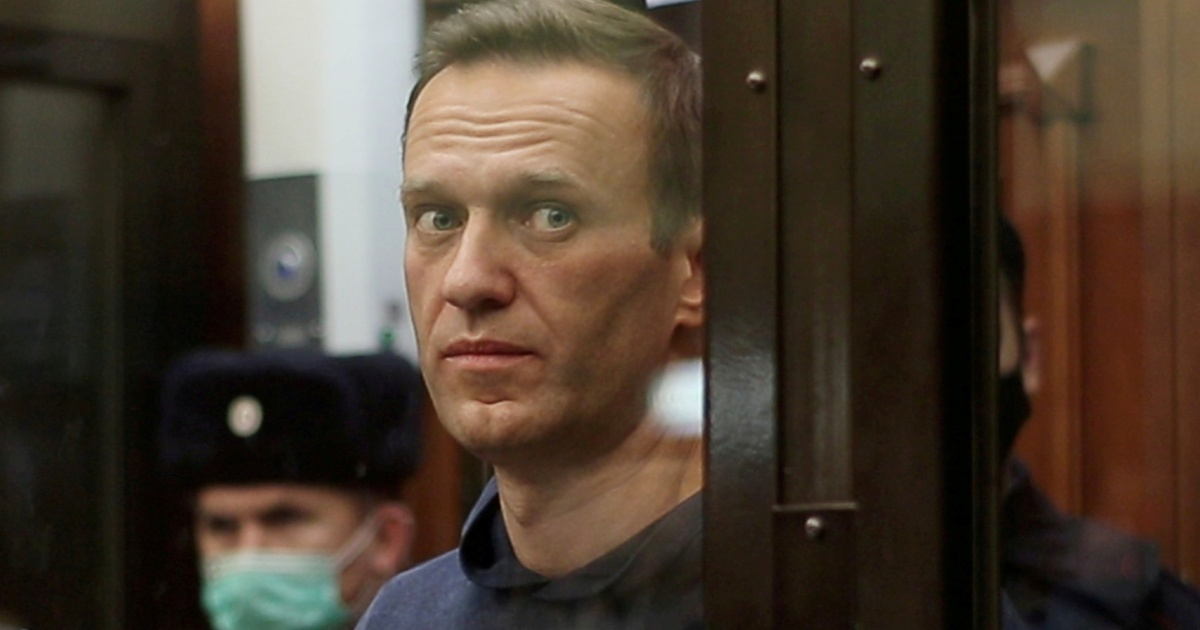 Kremlin critic Alexey Navalny 'could die at any moment': Doctor