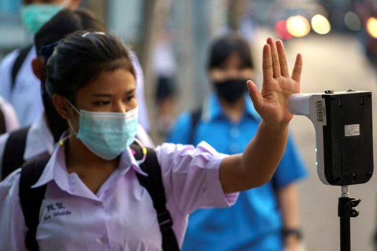 Thailand telah mencatat 25.111 infeksi dan 82 kematian sejak pandemi dimulai [File: Athit Perawongmetha / Reuters]