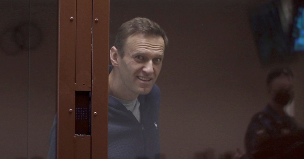 2021-02-12 19:00:52 | Russia: Alexey Navalny appears in court on defamation charges | Russia News