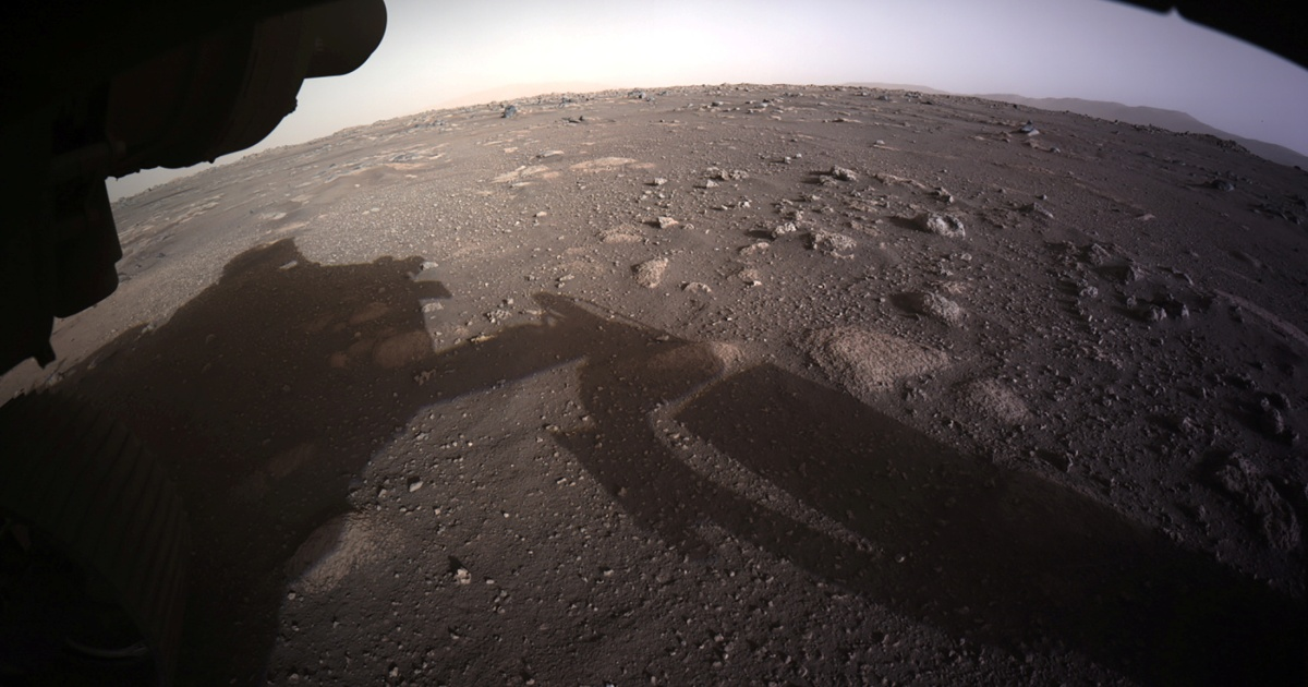 NASA showcases dramatic video of Mars touchdown, releases photographs