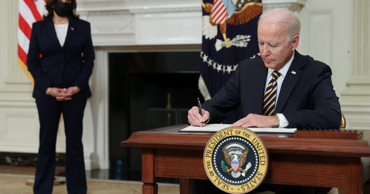 Biden overturns Trump bans on inexperienced playing cards and work permits