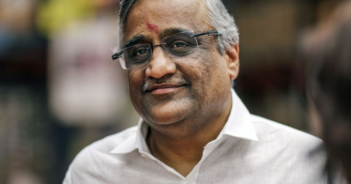 Indian insider: Regulator bans tycoon from market for one year