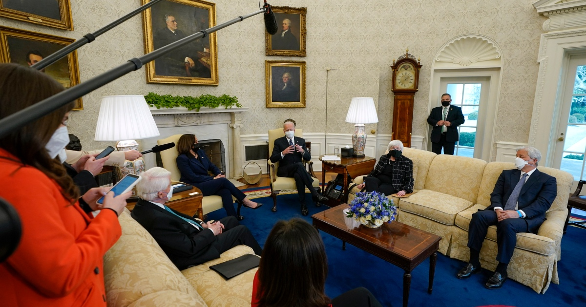 2021-02-09 21:38:37   Biden backs stimulus cheque income limits in CEO meeting   Business and Economy News