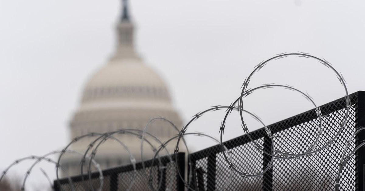 Kepala polisi mengatakan intel AS tidak memperingatkan skala pemberontak Capitol thumbnail