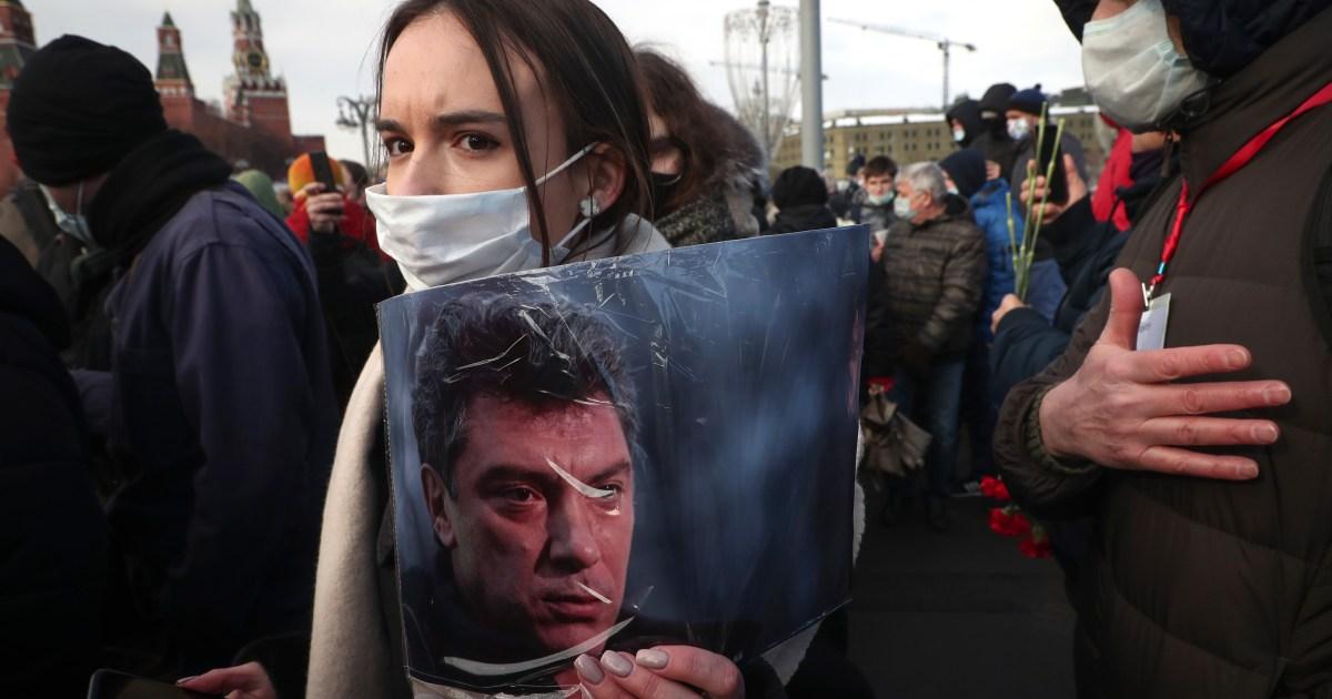 Thousands mark anniversary of Kremlin critic Nemtsov's murder