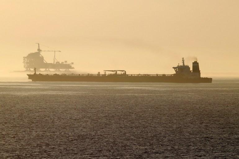 LA DEBACLE DE PDVSA - Página 24 Oil-tanker-Grace-1-prepares-to-leave-from-Gibraltar