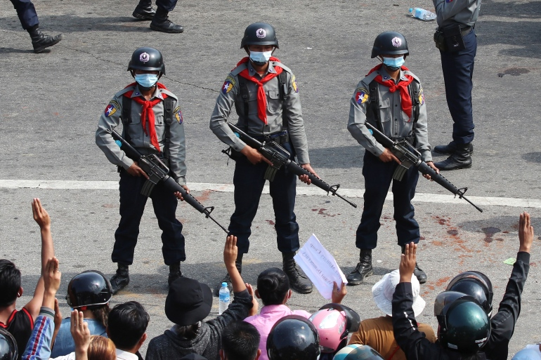 In Myanmar, protesters urge police to join democracy fight | Police News |  Al Jazeera