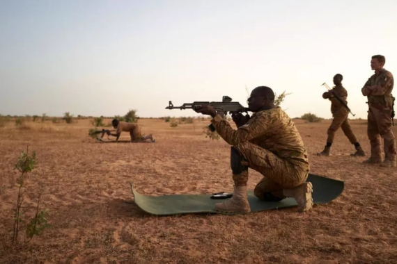 Is a new strategy needed to fight armed groups in the Sahel?