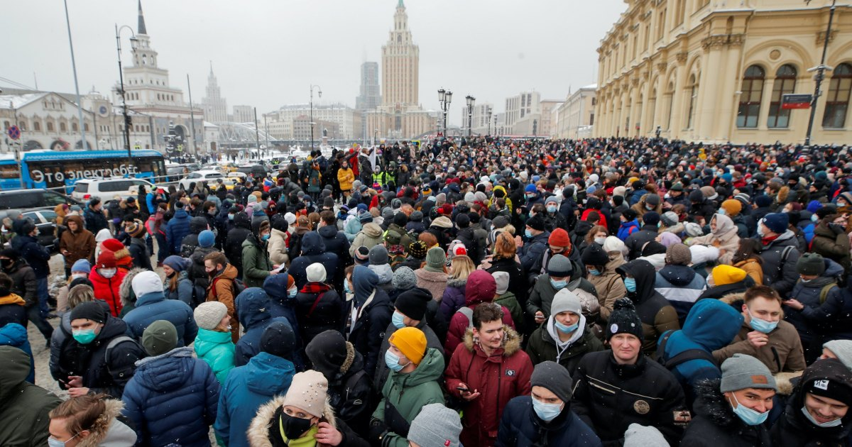 2021-02-01 21:32:50 | Not just Navalny: Economic woes also drive Russians to protest | Coronavirus pandemic News