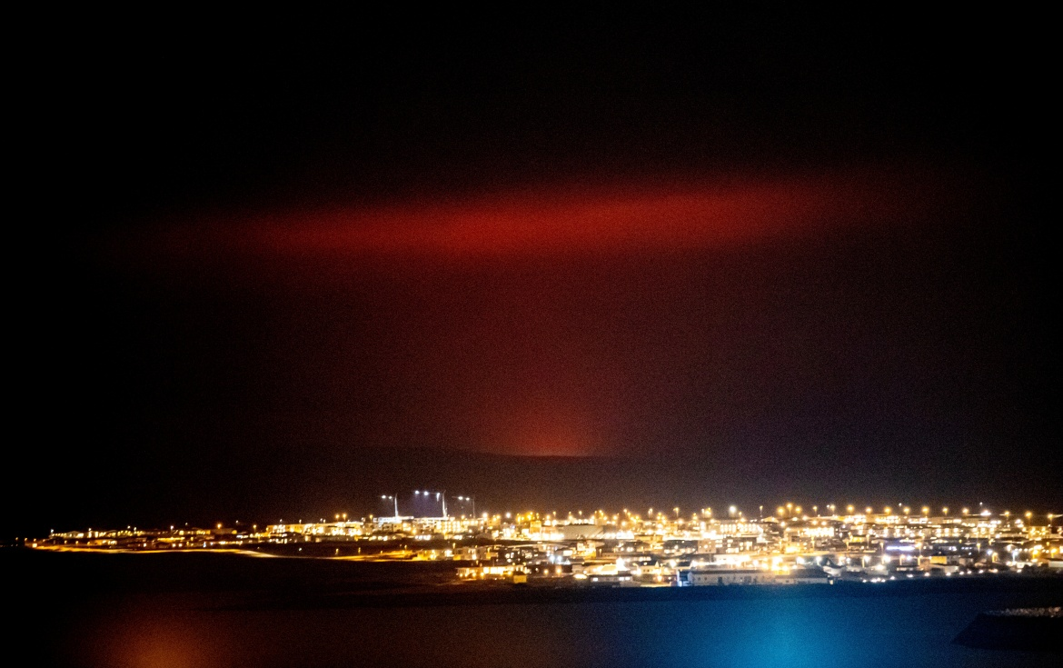 The glow from the lava could be seen from the outskirts of Iceland's capital, Reykjavik, which is about 32km (20 miles) away. [VF.IS via Reuters]