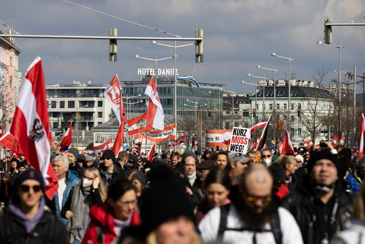 About 1,000 protesters participated in a demonstrations against the government's virus measures near Vienna's central train station. [Lisi Niesner/Reuters]
