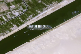 New attempt to re-float ship blocking Suez Canal fails