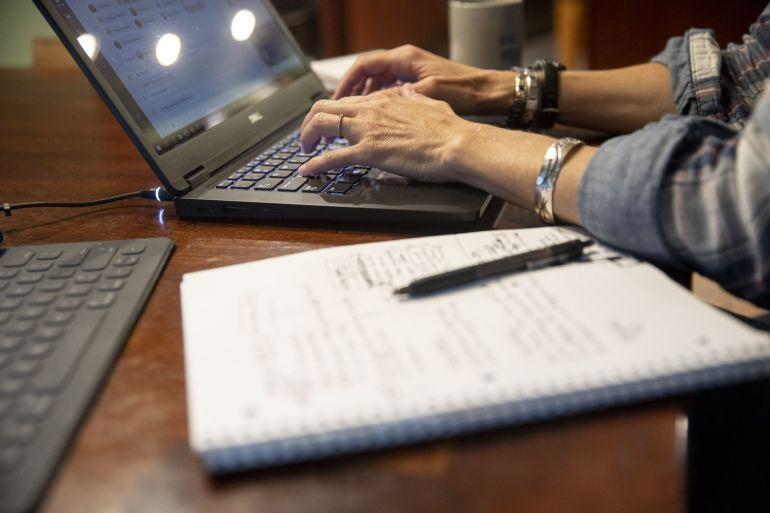 Setelah terbiasa bekerja dari rumah, banyak pekerja yang ragu untuk kembali ke kantor penuh waktu, meninggalkan perusahaan untuk menemukan keseimbangan yang mempertahankan bakat dan mempertahankan produktivitas File Daniel Acker/Bloomberg