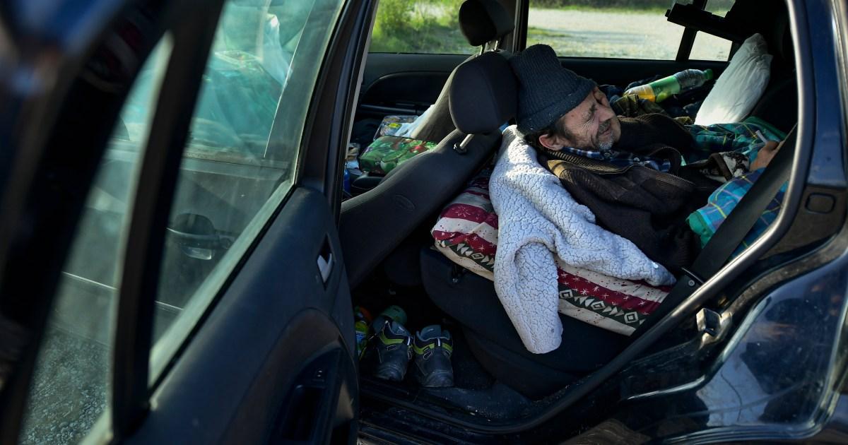 Kendaraan beroda empat mengubah rumah bagi korban pandemi Spanyol thumbnail