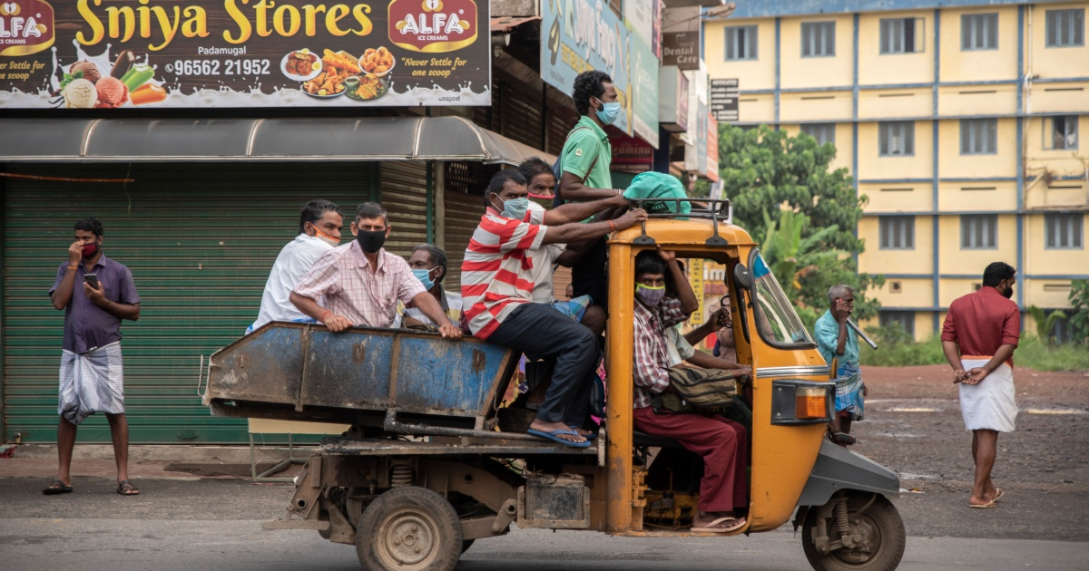 COVID forces India's former Gulf workers to forge new futures thumbnail
