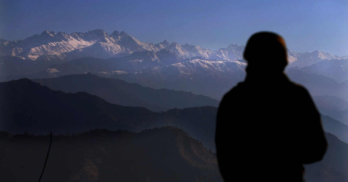 What prompted India-Pakistan ceasefire pact along Kashmir border?