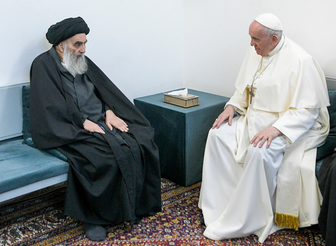 Iraq's Shia Muslim leader, Grand Ayatollah Ali al-Sistani, meets the pope in Najaf. [Handout/Vatican Media via AP]