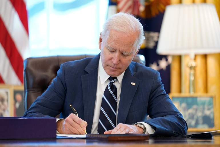 Biden signs $1.9 trillion COVID-19 pandemic relief bill | US & Canada News | Al Jazeera