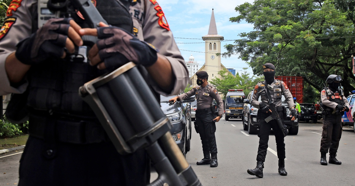 Indonesia cathedral rocked by Palm Sunday suicide bombing