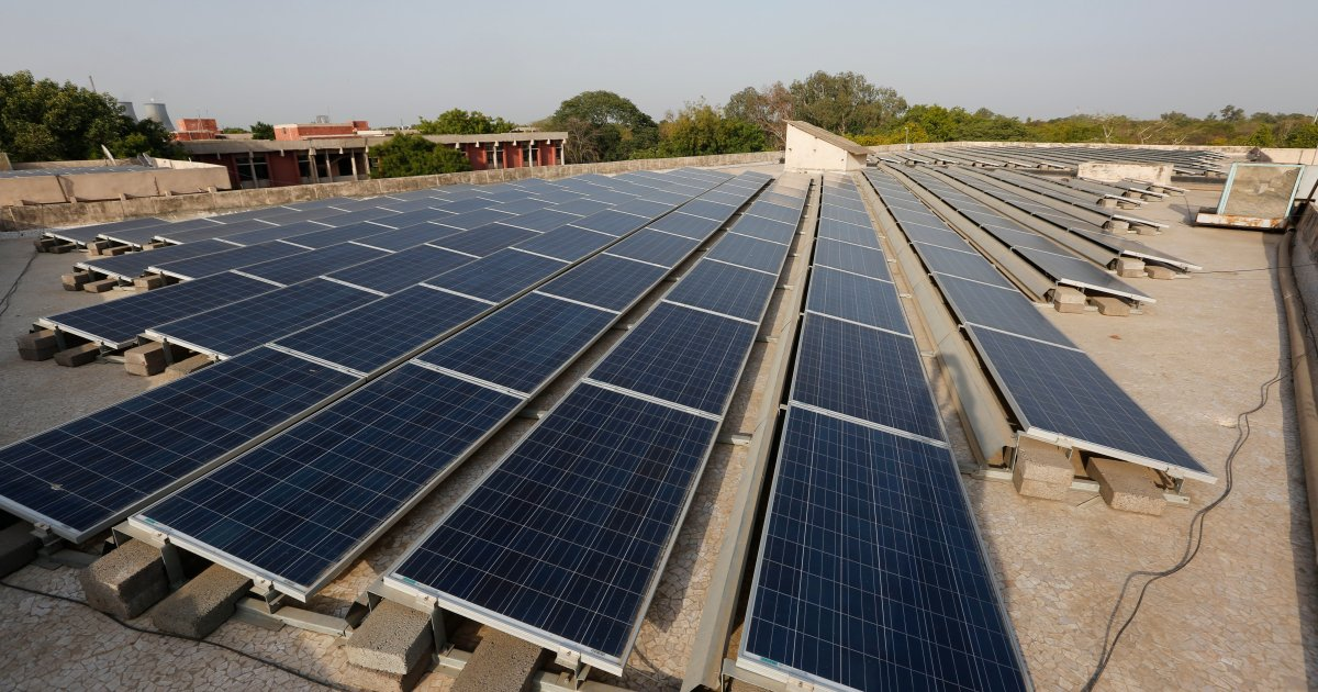 Homes turn into 'mini-solar power stations' in India's Kerala