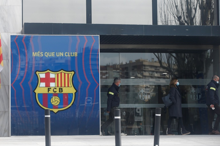 Klub mengonfirmasi bahwa pihak berwenang berada di markas tim tetapi tidak memberikan rincian lebih lanjut [Quique Garcia / EPA]