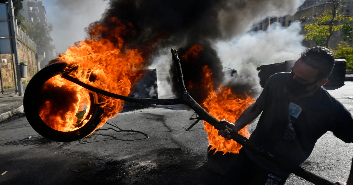 In Pictures: Lebanon on the edge as protests continue