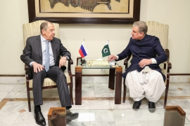 Russian Foreign Minister Sergei Lavrov, left, with his Pakistani counterpart Shah Mahmood Qureshi in Islamabad, Pakistan [AFP]