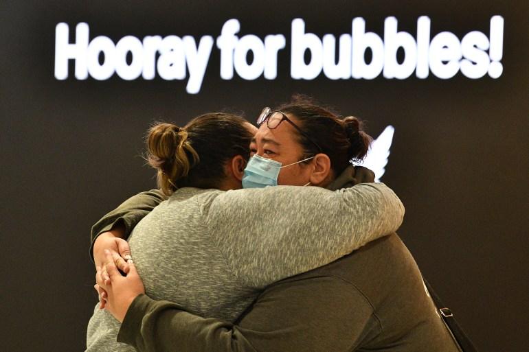 Hugs, tears as Australia and New Zealand 'travel bubble' starts   Aviation News
