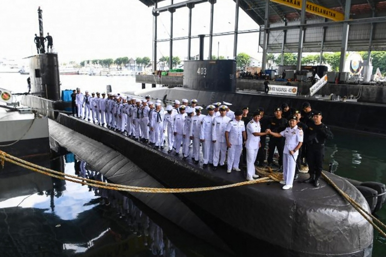 Facing 'morale blow', Indonesia steps up search for submarine | Military News