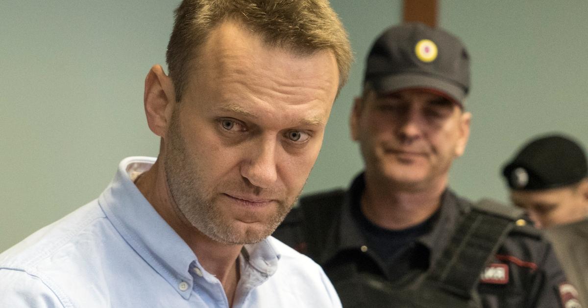 Russia: Navalny slams Apple, Google over voting app removal