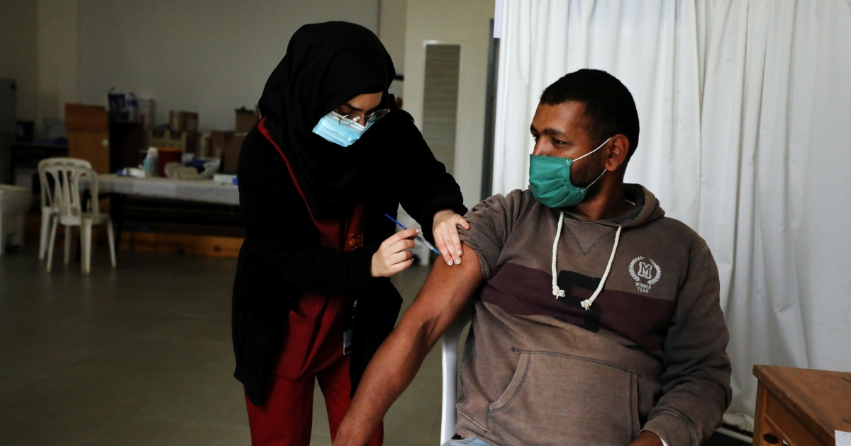 'Memperketat cengkeraman mereka': penumpasan COVID-19 di MENA thumbnail