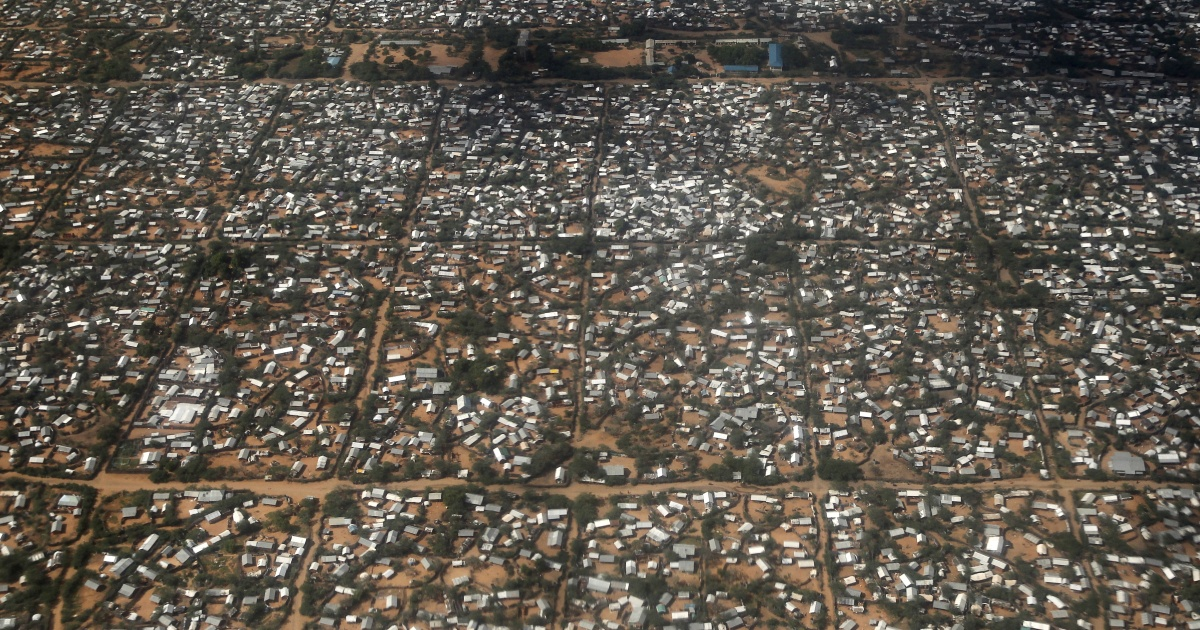 Why is Kenya trying to close Dadaab and Kakuma again?