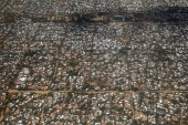 FILE PHOTO: An aerial picture shows a section of the Hagadera camp in Dadaab near the Kenya-Somalia border, May 8, 2015. REUTERS/Thomas Mukoya/File Photo (Reuters)